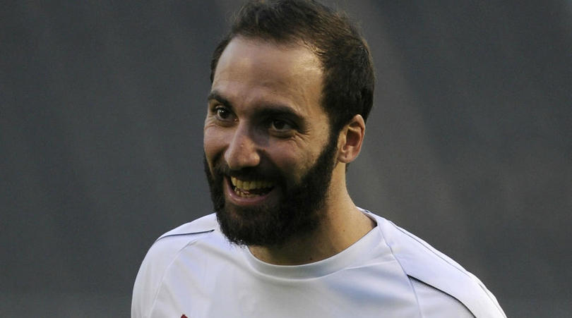 Donnarumma wishes Higuain luck ahead of Chelsea switch