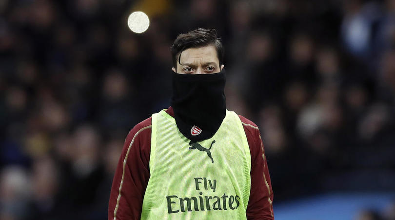 Wenger raises questions over Ozil effort level