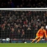 Arsenal punish wasteful United to go fourth