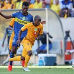 Siphosakhe Ntiya Ntiya of Kaizer Chiefs challenged by Thato Mokeke of Cape Town City