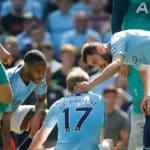 Manchester City's Kevin De Bruyne sits injured