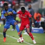 Thato Mokeke of Cape Town City and Innocent Maela of Orlando Pirates