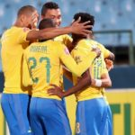 Themba Zwane of Mamelodi Sundowns celebrates goal with teammates