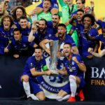 Chelsea thrash Arsenal to claim UEL title