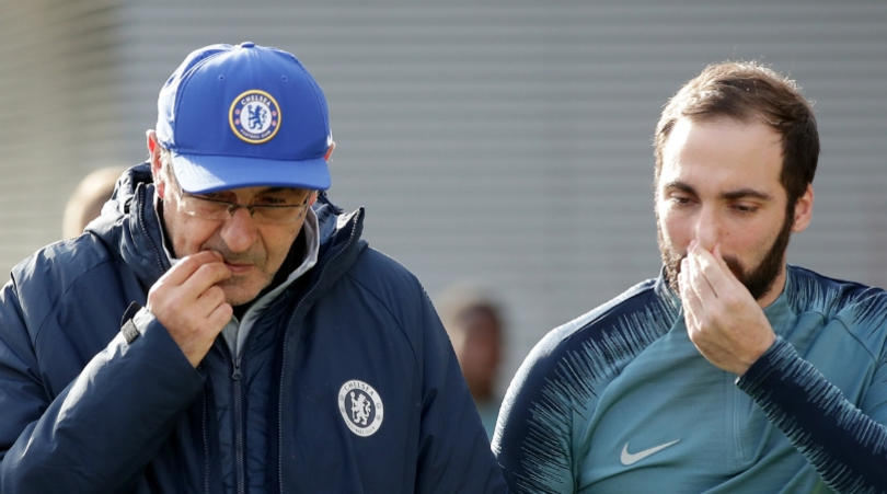 Maurizio Sarri and Gonzalo Higuain of Chelsea