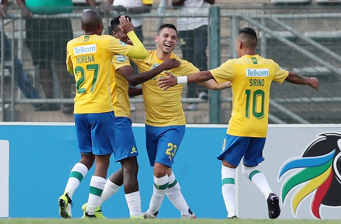 Jose Ali Meza of Mamelodi Sundowns celebrates goal with his teammates