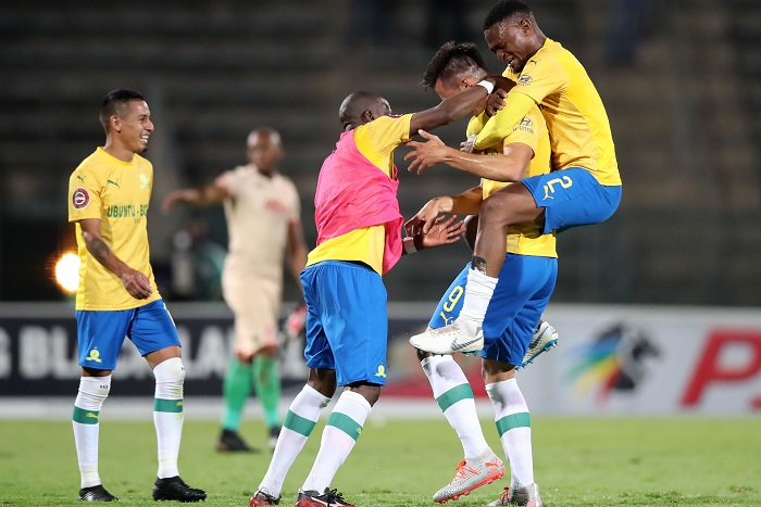 Mauricio Affonso of Mamelodi Sundowns celebrates his winning goal with teammates