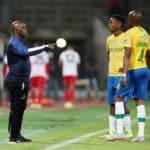 Pitso Mosimane, coach of Mamelodi Sundowns talking to Tebogo Langerman and Themba Zwane