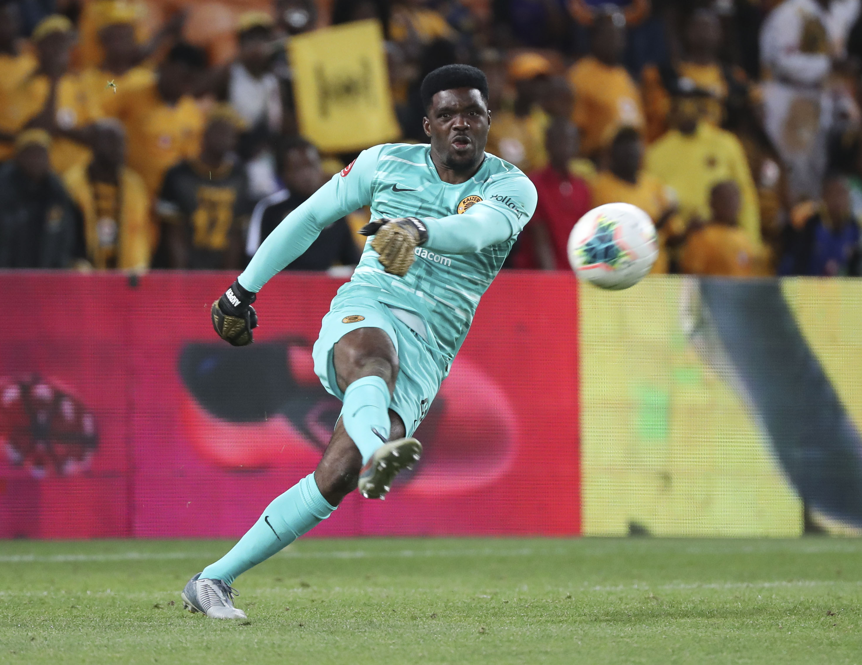 Who will start in goal for Kaizer Chiefs - Itumeleng Khune or ...