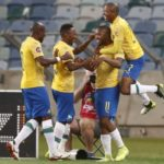 Sundowns ease past AmaZulu to close gap on Chiefs