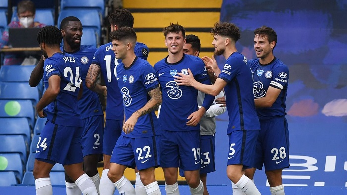 Mount shines as Chelsea beat Wolves to seal fourth