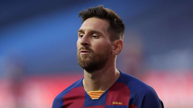 Messi is still in Barca WhatsApp group - De Jong