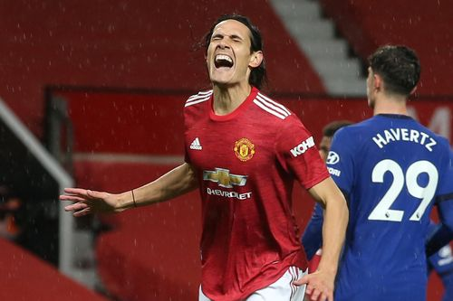 Debutant Cavani comes close but Man Utd, Chelsea draw blank
