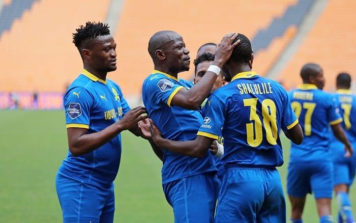 Peter Shalulile of Mamelodi Sundowns celebrates goal with his teammates