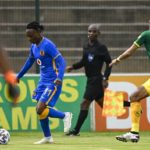 Gladwin Shitholo of Lamontville Golden Arrows challenges Khama Billiat of Kaizer Chiefs FC