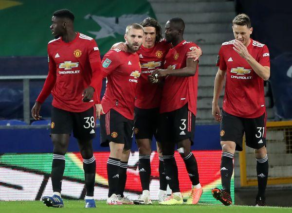 Cavani, Martial send Man Utd into semi-finals