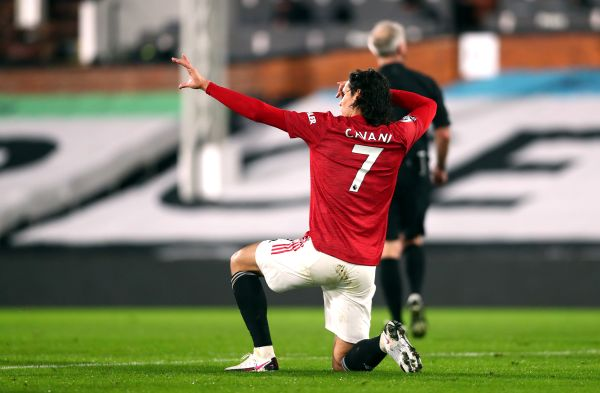 Solskjaer wants his strikers to learn from Cavani