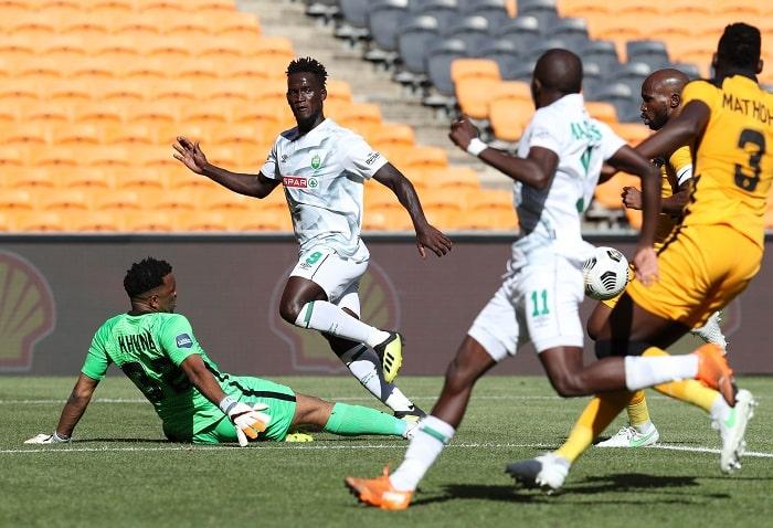 Sphelele Mthembu of AmaZulu tackled by Itumeleng Khune of Kaizer Chiefs