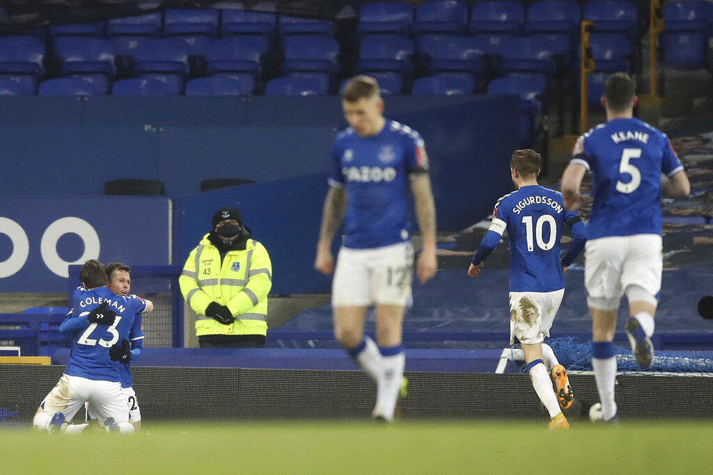 Everton into FA Cup quarter-finals after nine-goal thriller