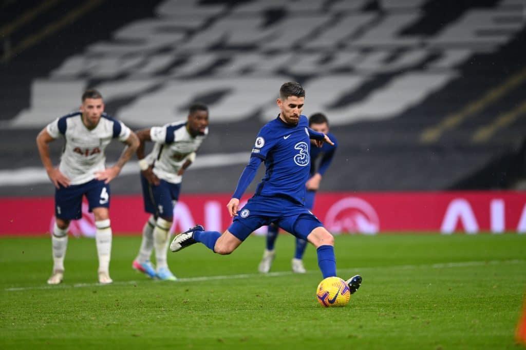 Jorginho penalty earns Chelsea London derby win