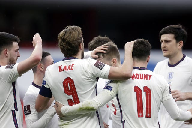 Mount: Kane's ability to drop deep can be 'brilliant' for England