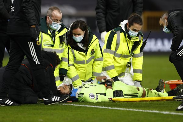 Wolves goalkeeper Rui Patricio suffers head injury in defeat to Liverpool