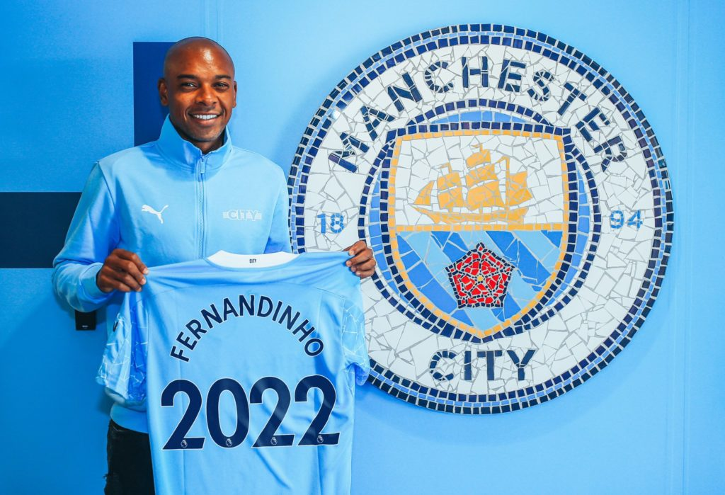 Fernandinho signs new one-year deal at Manchester City
