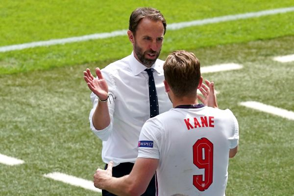Gareth Southgate and Harry Kane of England