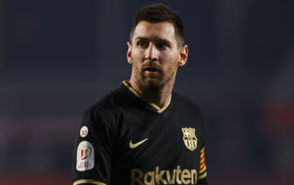 Can Barcelona's financial crisis be attributed to the captain's colossal wages?