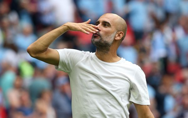 Guardiola told to stick to coaching after questioning Manchester City fans