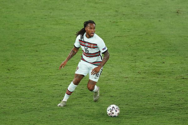 Portugal midfielder Sanches targeted by Liverpool and Arsenal