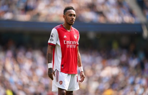 Aubameyang insists Arsenal must pull together as a team