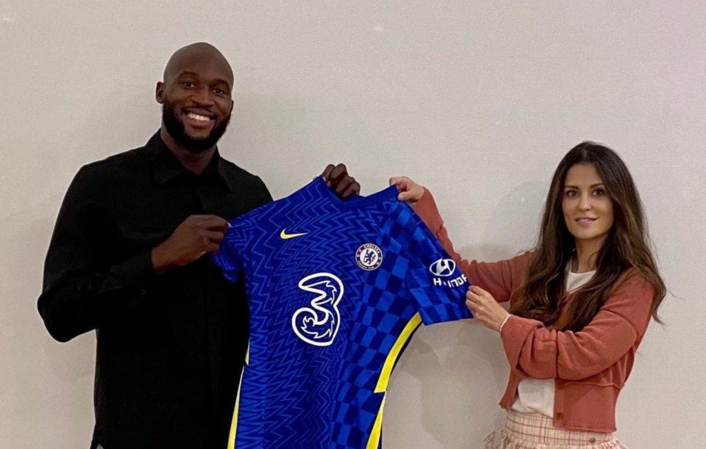 Romelu Lukaku returns to Chelsea on five-year deal