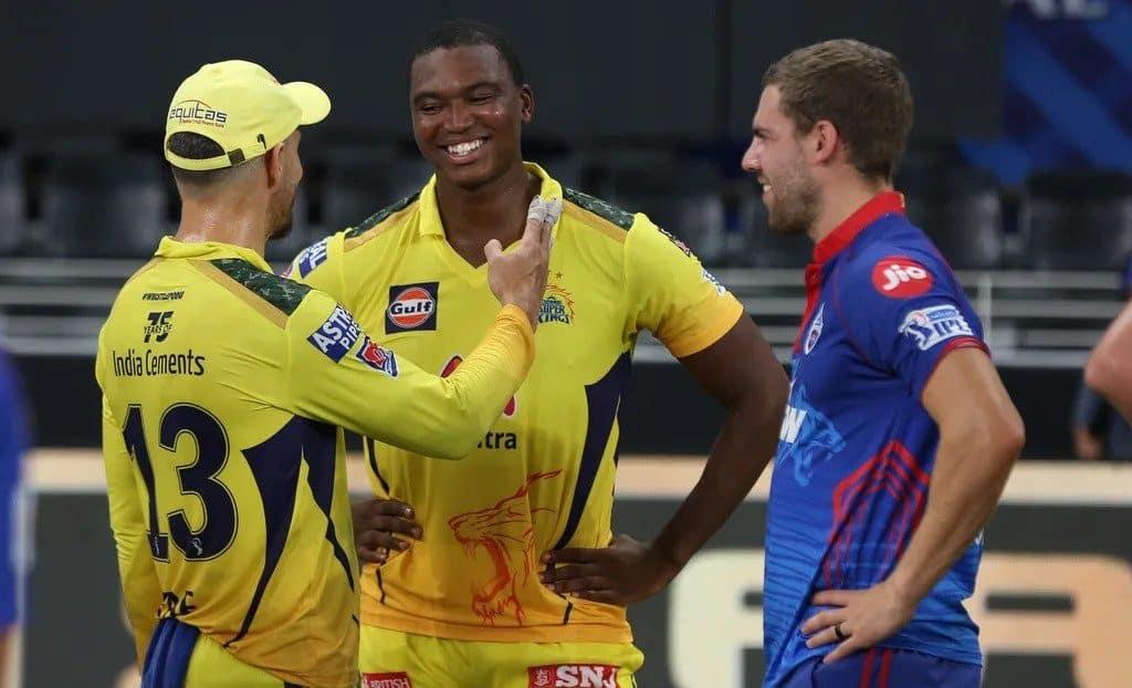 Delhi top IPL table, champions Mumbai crash out