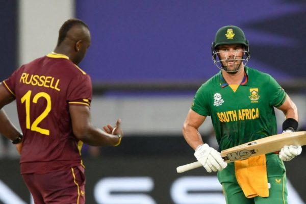 South Africa's Aiden Markram (C) takes the last run to win the ICC mens Twenty20 World Cup cricket match between South Africa and West Indies at the Dubai International Cricket Stadium in Dubai on October 26, 2021. (Photo by Aamir QURESHI / AFP) (Photo by AAMIR QURESHI/AFP via Getty Images)