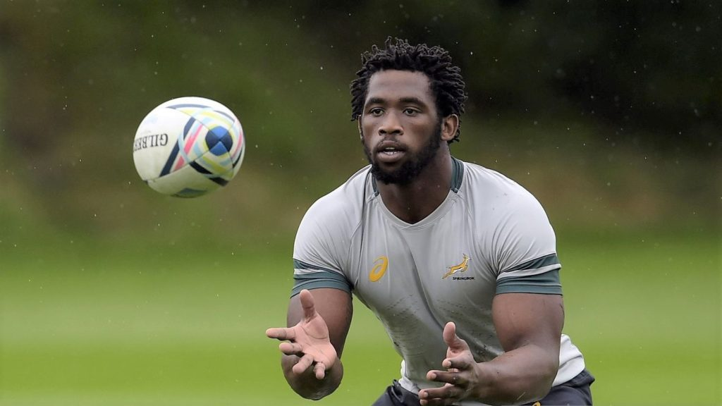 South Africa's back row Siya Kolisi takes part in a team training session at Eastbourne College in Eastbourne, south-east England, on September 16, 2015, ahead of the 2015 Rugby Union World Cup, which begins on September 18. AFP PHOTO / LIONEL BONAVENTURE (Photo credit should read LIONEL BONAVENTURE/AFP via Getty Images)